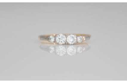 18ct yellow gold four stone diamond ring