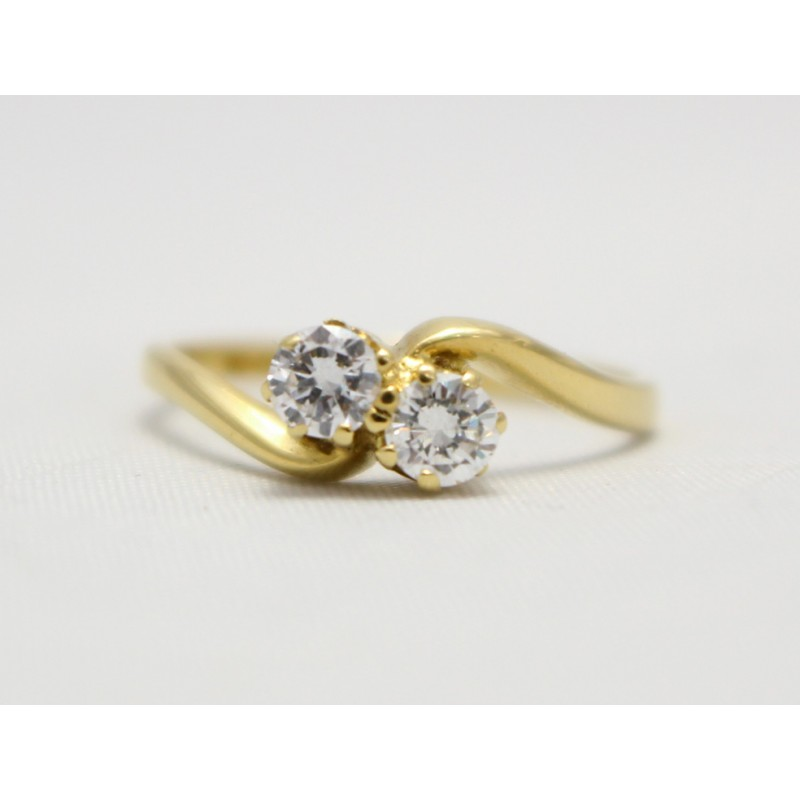 two, stone, diamond, twist, ring, in 18ct yellow gold