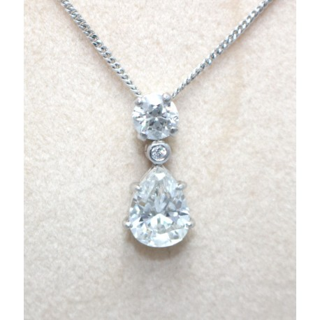 necklace pendant halo shaped with diamond carat pear
