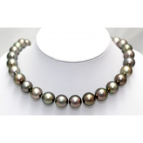 Black Pearl Necklace