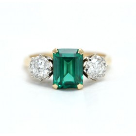 Green Spinel and Diamond Ring