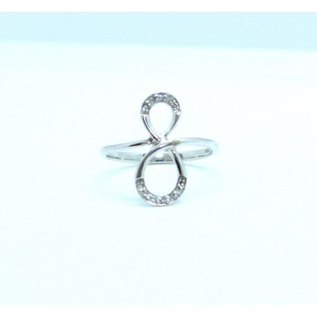 Figure of eight 'eternity' diamond ring