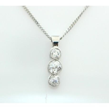 Three ston diamond pendant