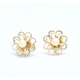 Pearl set flower earrings
