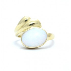Opal 18ct yellow gold